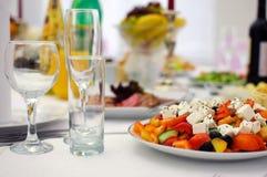 jabłczanej tło bankiet koszykowej winogron ogniska pomarańczowe sałatki owocowe soku tabele tartlets Porcj naczynia Obraz Royalty Free