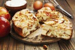 Jabłczany kulebiak, Charlotte Zdjęcia Stock
