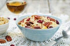 Jabłczany Pecan suszył cranberries i brązów dzikich ryż obraz stock