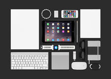 Jabłczany produktu mockup składać się z ipad powietrze 2, iphone 5s, klawiatura Fotografia Royalty Free