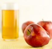 jabłczany sok zdjęcia royalty free