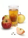 Jabłczany sok i jabłka Zdjęcia Stock