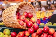 Jabłczany spadać Fotografia Stock