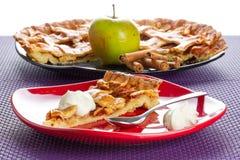 Jabłczany tarta deser z śmietanką Zdjęcia Royalty Free