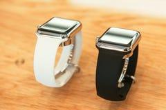 Jabłczany zegarek zaczyna sprzedawać na całym świecie Obrazy Stock