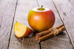 jabłka cynamonowi obrazy royalty free