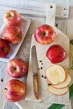 jabłka wsiadają ciapanie biel Zdjęcia Royalty Free