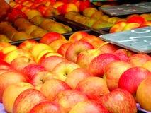 Jabłko dzień i lekarka iść daleko od Fotografia Royalty Free