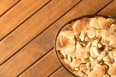 jabłko piec świeżo kulebiak z bliska homemade przygotowywający jeść Odgórny v zdjęcie stock