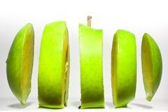 jabłko - zieleń pokrajać Fotografia Royalty Free
