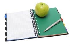 jabłko - zielony podręcznik obrazy royalty free