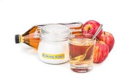Jabłczanego cydru octu i wypiekowej sody kombinacja dla zjadliwego reflux Fotografia Stock
