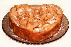 Jabłczany kulebiak w postaci serca Zdjęcia Royalty Free
