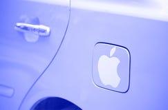 Jabłczany logotyp na samochodowym ogniwie paliwowym Zdjęcie Royalty Free