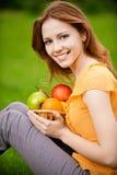 jabłek kosza dziewczyna Zdjęcia Stock