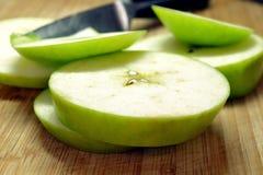 Jabłka na stole Zdjęcie Royalty Free