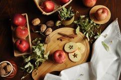 Jabłka na stole 2 Zdjęcie Royalty Free