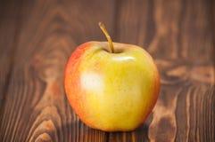 Jabłka na stole Zdjęcie Stock