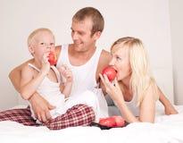 jabłka target374_1_ rodziny Obrazy Royalty Free