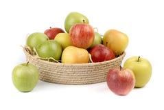 Jabłka w koszu obrazy royalty free