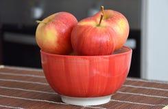 Jabłka w pucharze Obraz Royalty Free