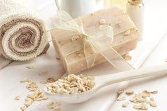 Jabón de la harina de avena Fotografía de archivo