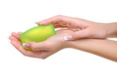 Jabón de la mano de Feamle Foto de archivo