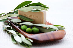 Jabón del aceite de oliva Imagenes de archivo