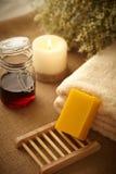 Jabón natural de la miel Imágenes de archivo libres de regalías