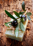 Jabón verde oliva hecho a mano Fotografía de archivo
