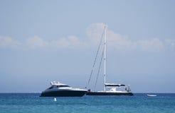 jacht żaglówka silnikowe zdjęcie royalty free