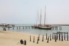 Jacht berthed przy jetty Zdjęcie Stock