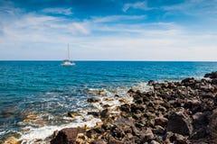 Jacht blisko Greckich wysp Zdjęcie Royalty Free