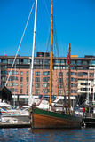 Jacht in de jachthaven Stock Fotografie