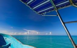 Jacht żegluje na morzu Fotografia Stock