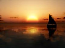 Jacht in het overzees bij zonsondergang Stock Foto