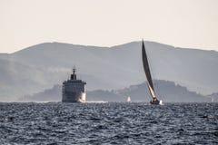 Jacht i liniowiec Zdjęcia Royalty Free