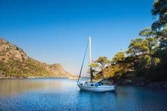 Jacht in Middellandse Zee Marmaris, Turkije Stock Foto's
