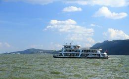 Jacht na Dali Dianchi jeziorze, chińczyka sławny krajobraz Obrazy Royalty Free