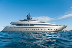 Jacht na morzu Obrazy Royalty Free