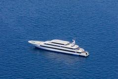 Jacht od widok z lotu ptaka, Maldives zdjęcia stock