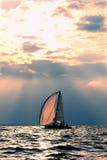 Jacht, overzees en zonsondergang Royalty-vrije Stock Afbeelding