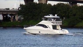 Jacht przy Miami Bayside Marina usa pejzażami miejskimi zdjęcie wideo