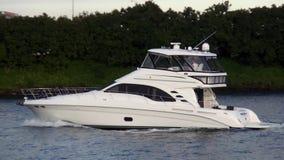 Jacht przy Miami Bayside Marina usa pejzażami miejskimi zbiory