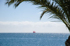 Jacht in tropisch water Stock Afbeelding