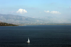 Jacht w morzu Obrazy Stock