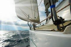 Jacht w otwartym morzu Obrazy Royalty Free