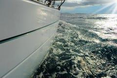 Jacht w otwartym morzu Fotografia Stock