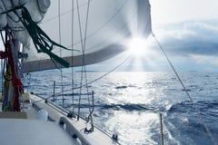 Jacht w otwartym morzu Zdjęcia Stock