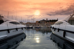Jachten in de haven van Cannes, Frankrijk stock foto